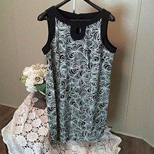 Womens sleeveless dress with key whole front